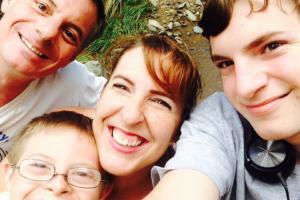 nico family selfie